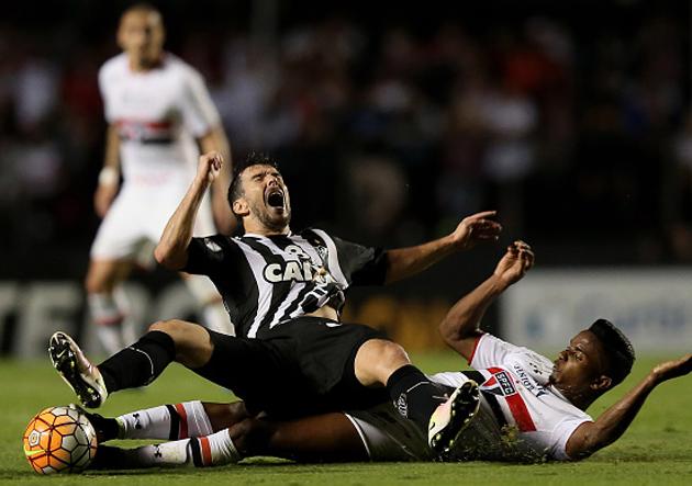 Sao Paulo v Atletico MG - Copa Bridgestone Libertadores 2016 - Quarter-Finals