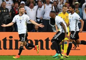 Alemania_celebra_Ucrania_euro_2016