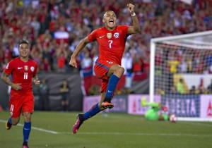 Alexis_Sanchez_festejo-gol_Copa100_2016_PS