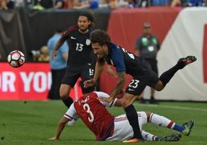 EstadosUnidos_Paraguay_Jones_Gomez_CopaAmericaCentenario_2016_Getty