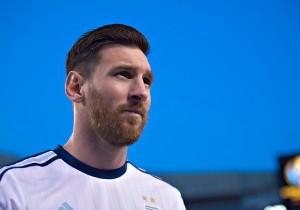 Messi_Argentina_Mira_PS