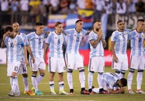 Argentina-Messi_mal_final_Copa100_PS