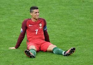 Cristiano_Ronaldo_vFrancia_lesion_2016_Getty