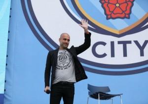 Guardiola_ManchesterCity_presentacion-2016_0