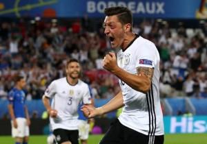 Italia_Alemania_Ozil_celebra_Euro_2016