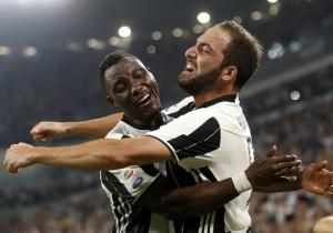 Juventus_Fiorentina_Higuain_Asamoah_2016_Getty