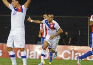 Paraguay Chile_Arturo Vidal_2013_2