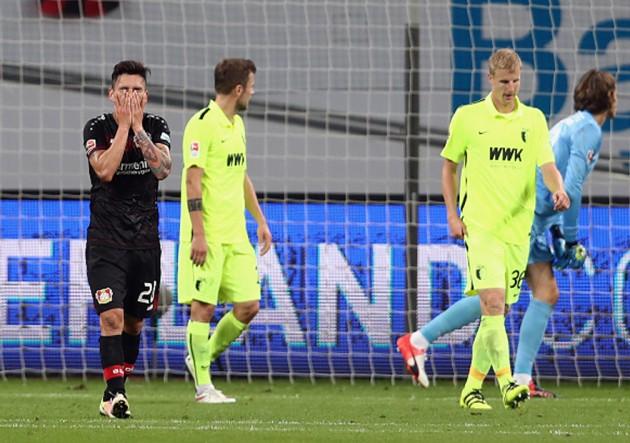 Bayer Leverkusen vs Augsburg3 - Charles Aránguiz
