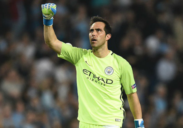FOTOS | Claudio Bravo tuvo un feliz debut en Champions con el City ...