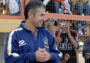 Juvenal Olmos Everton2