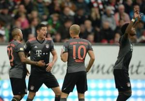 Augsburgo_Bayern_Vidal_Robben_Lewandowski_2016