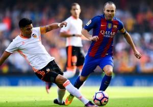 Iniesta_lesion-Perez_Barcelona-Valencia_2016
