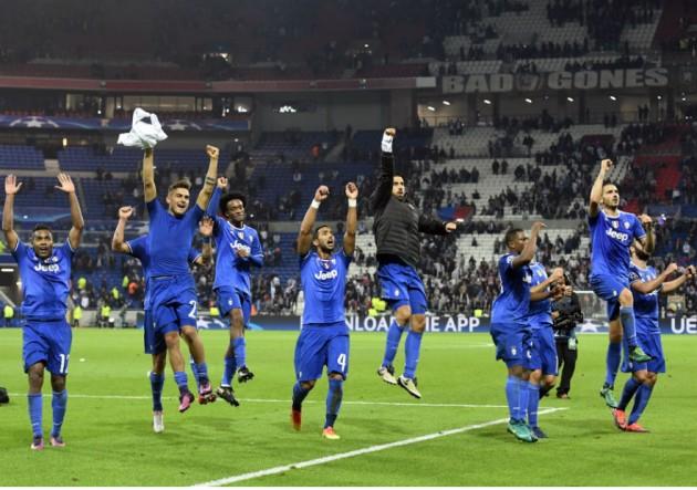 Juventus_festejo_azul_Lyon_Champions-2016