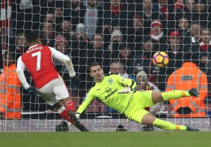 Arsenal_Burnley_Alexis_Sanchez_Heaton_2_2017_Getty