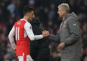 Arsenal_Burnley_Wenger_Ozil_2017_Getty