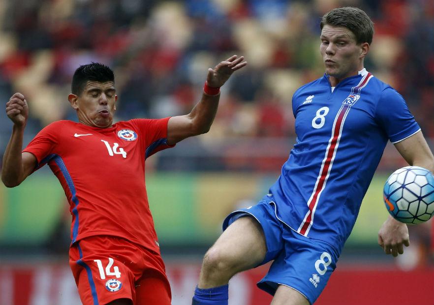 Pavez_Chile_Islandia_ChinaCup_2017_PS_0