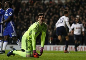 Tottenham_Chelsea_Courtois_2017_Getty