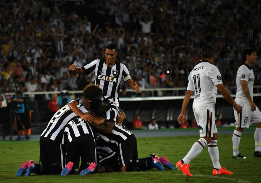 Botafogo_Colo_Colo_celebran_2017_Getty