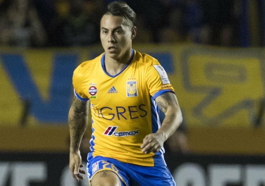 Eduardo_Vargas_Tigres_Pumas_2017_PS_0