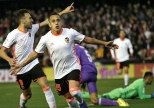 Fabian_Orellana_gol_Valencia_RealMadrid_2017_0