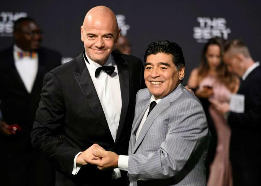 Maradona_Infantino_2017