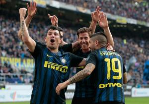 Inter_celebra_Atalanta_Medel_SerieA_2017_Getty