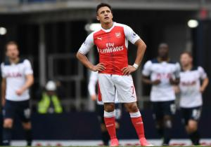 Alexis_lamento_Arsenal_Tottenham_getty_2017