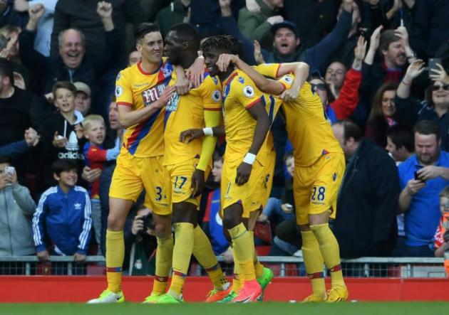 Crystal_Palace_Celebra_Liverpool_Premier_League_2017_Getty