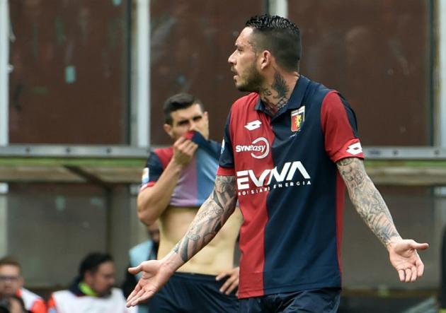MauricioPinilla_expulsado_Genoa_Atalanta_SerieA__2017_getty