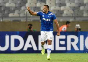 Ramon_Abila_Celebra_Cruzeiro_Nacional_Copa_Sudamericana_2017_Getty