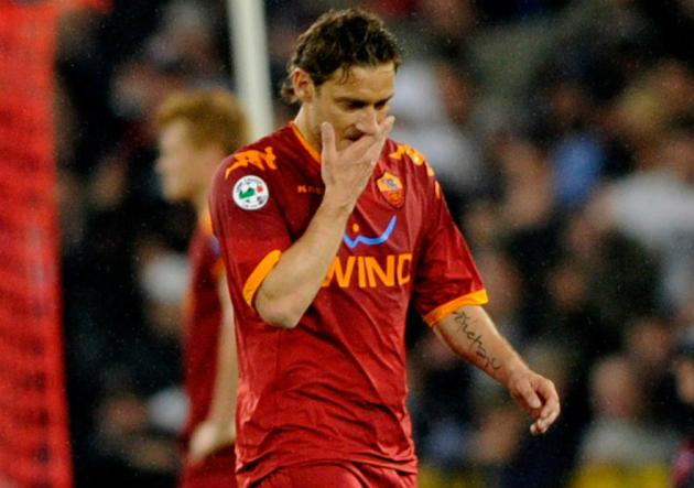 Totti_foul_Balottelli_Roma_Inter_2010