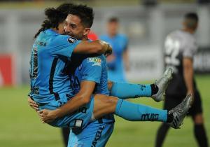 Zamora_Iquique_celebra_Reynero_Villalobos_Libertadores_2017_Getty