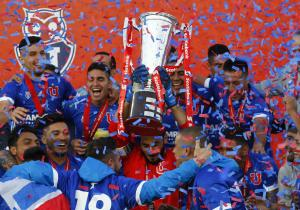 Herrera_UdeChile_Campeon_Clausura_2017_PS