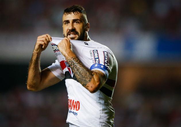 Christian Cueva salió lesionado en triunfo del Sao Paulo sobre Palmeiras