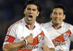 Marcelo_Salas_RiverPlate_2004_gol_getty