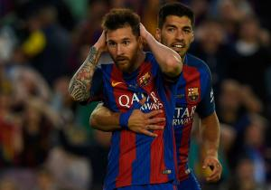 Messi_Suarez_Barcelona_abrazan_2017_getty