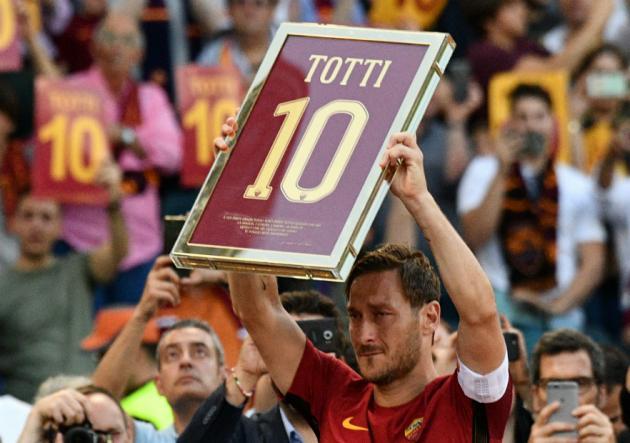 Roma_Genoa_Totti_Galeria_Getty_9