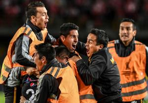 SantaFe_TheStrongest_celebra_Libertadores_2017_Getty
