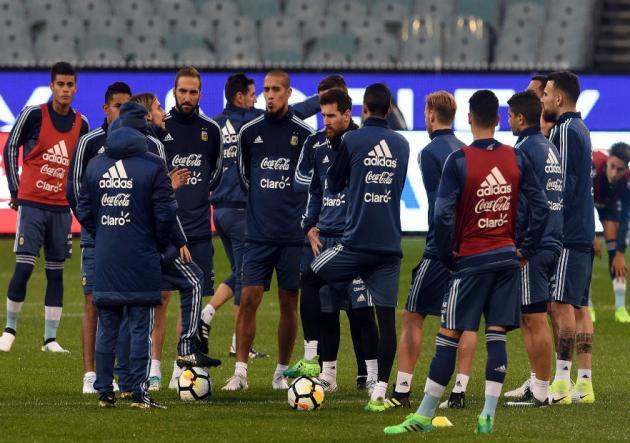Argentina enfrenta a Brasil con el debut de Sampaoli