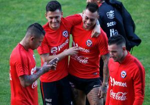 Chile_entrenamiento_Valencia_Aranguiz_Vargas_Mena_2017_PS