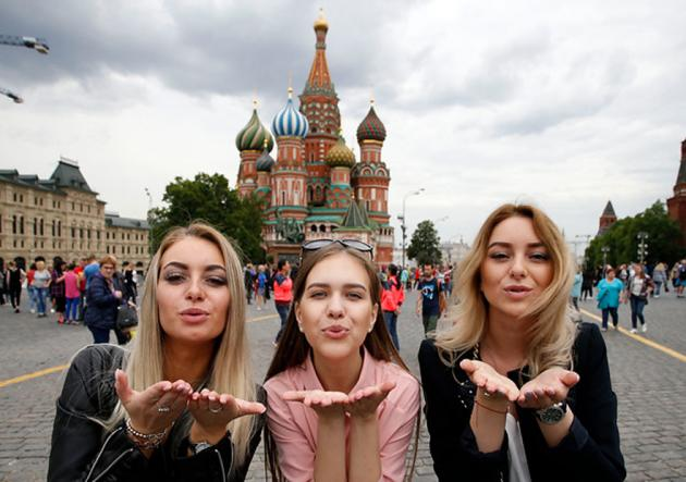Chile_hinchas_rusas_Moscú_PS