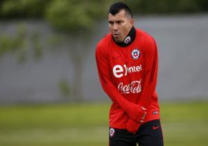 Entrenamiento_Chile_SanPetersburgo_Medel_PS