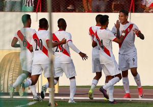 Peru_Paraguay_celebra_2017