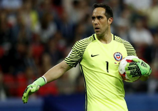 Claudio Bravo estalló bronca por la posible exclusión de Chile