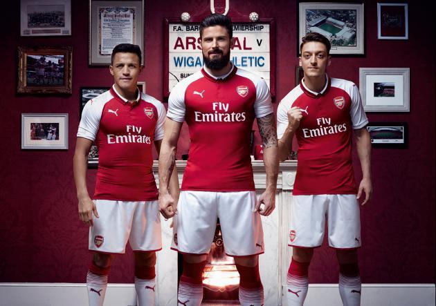 Se queda o se va  Alexis presentó nueva camiseta de Arsenal ... 7ef02e8b6af99