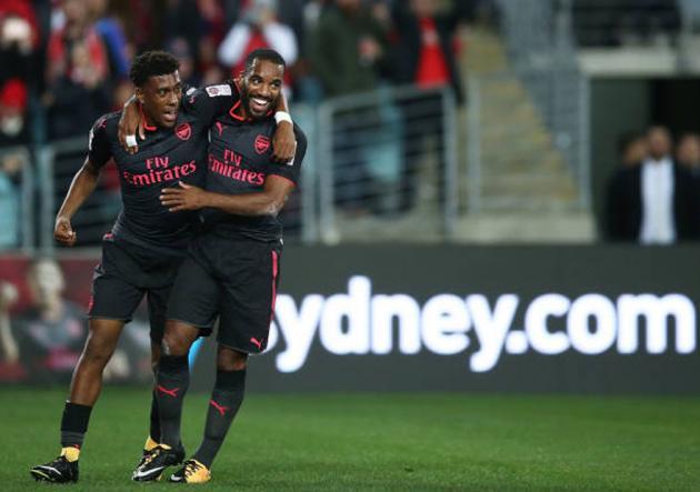Nuevo compañero de Alexis Sánchez marcó su primer gol con el Arsenal