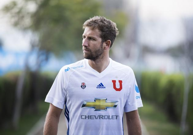 Felipe_Seymour_camiseta_UdeChile_2017