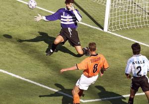 Holanda_Argentina_Bergkamp_gol_Francia_1998_Getty