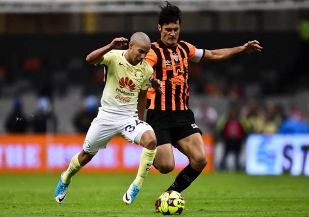 Marcos González concretó su retorno al fútbol chileno y recaló en Palestino