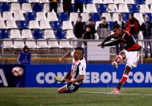 Palestino_Flamengo_Toro_Berrio_Sudamericana_2017_Getty
